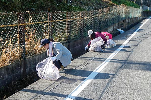 地域清掃活動の様子3